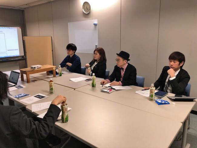 TBS NEWS×note「#マンガで報道局」審査会の様子(写真奥左2・中村珍)